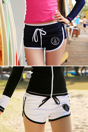 ANCHOR WOMAN BOARD SHORT